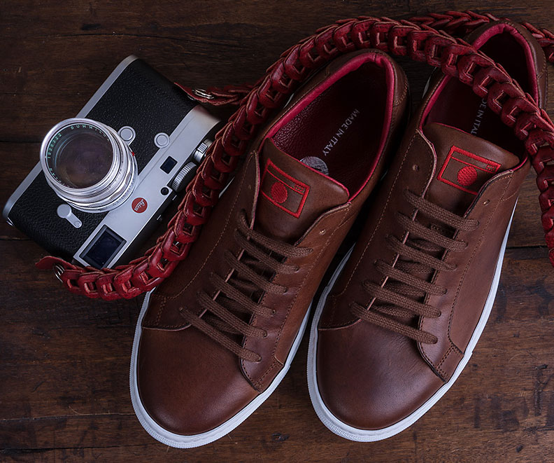 SNEAKERS STREET 01 WITH EMBOSSED SOLE STREET PHOTOGRAPHER