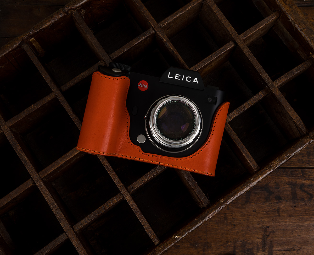 CASE FOR  LEICA SL 601 - MAGNETIC BATTERY DOOR TYPE