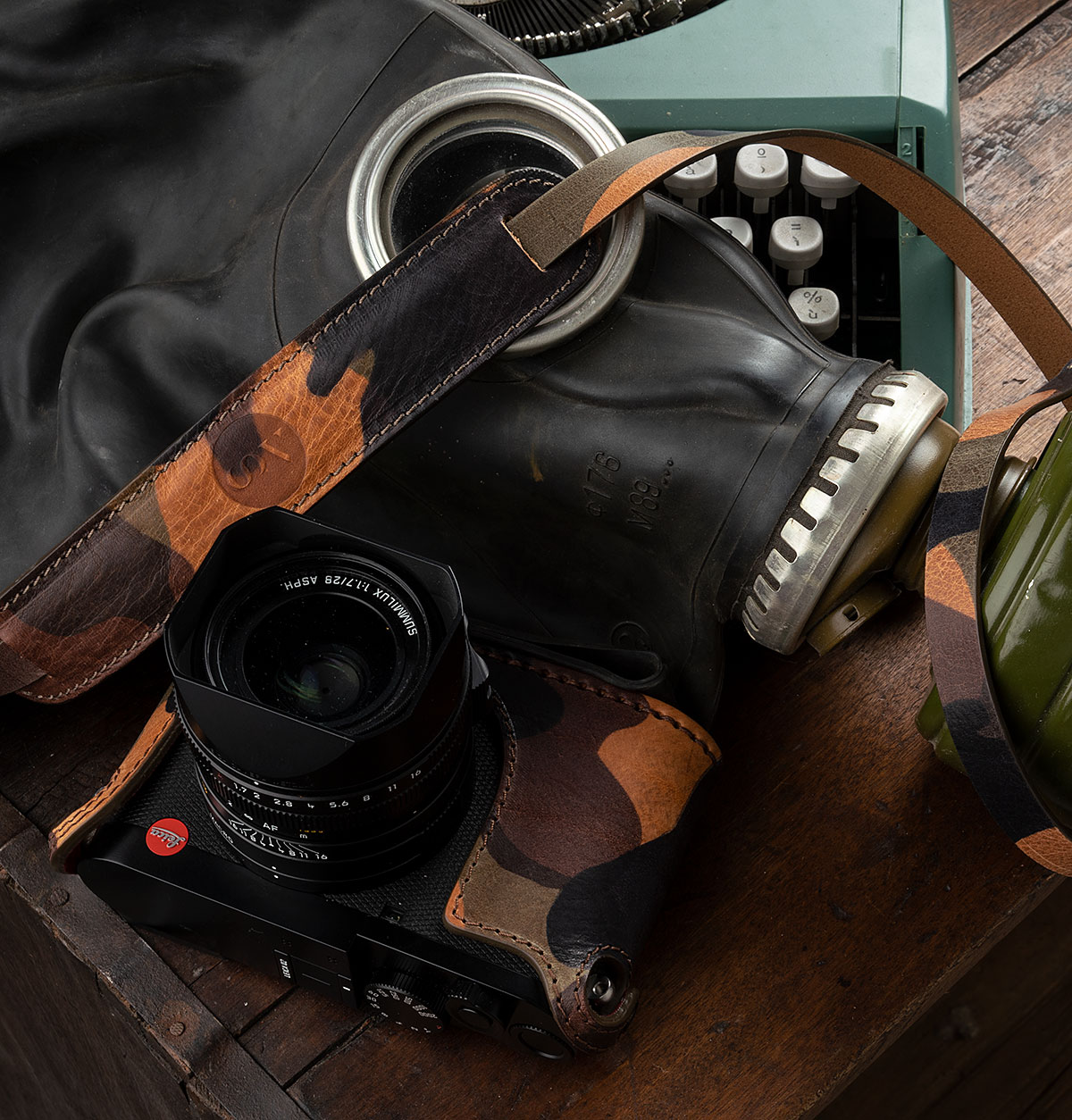LEICA Q2 FOXY BROWN CAMOUFLAGE